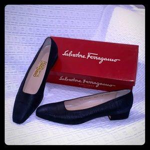 Salvatore Ferragamo size 10 1/2 4A